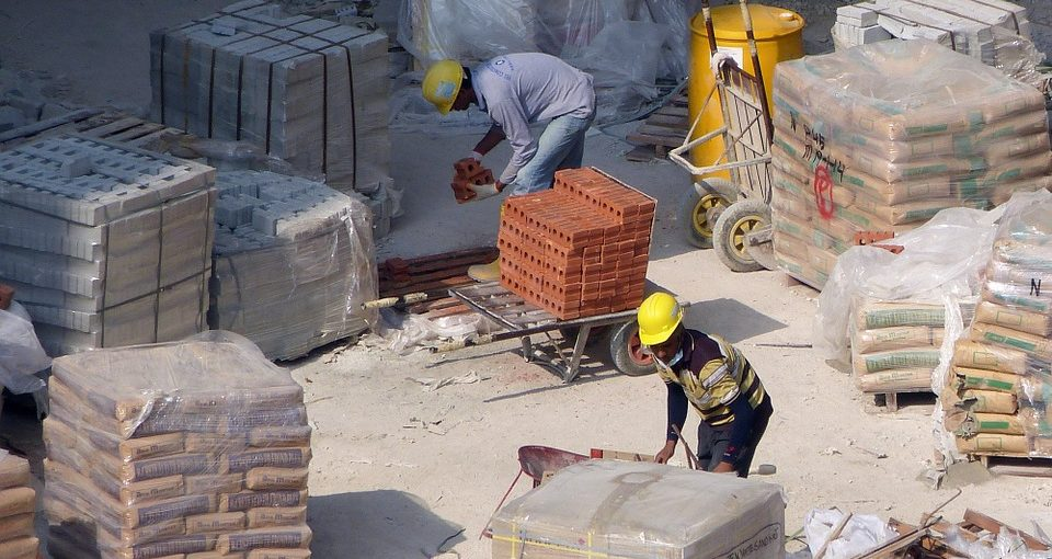 Tips on Hiring a Brick Layer Service